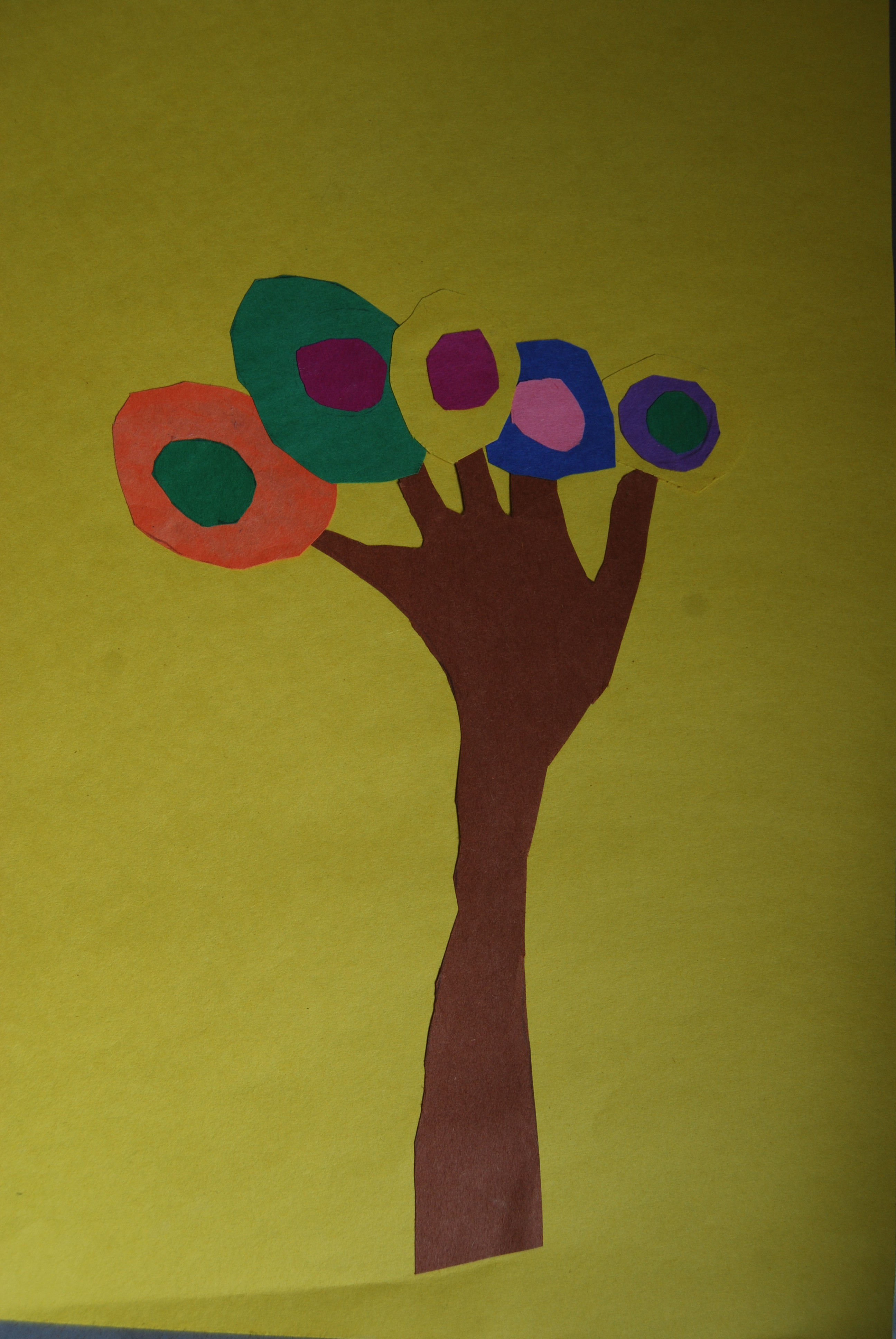 Kandinsky Tree Lesson http://amazingartteacher.wordpress.com/2013/06/17/kandinsky-trees-gr-kindergarten/